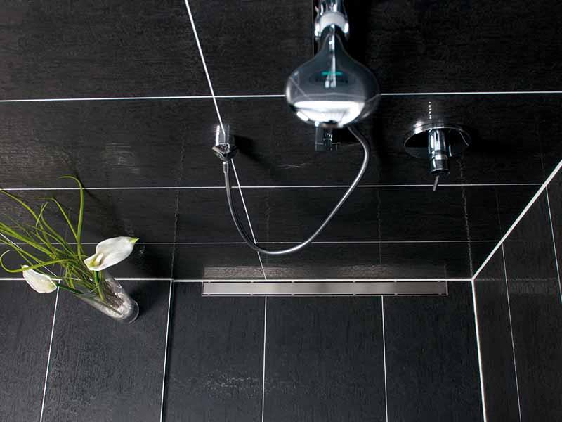 duschrinne f r schwellenfreie bodengleiche duschen. Black Bedroom Furniture Sets. Home Design Ideas
