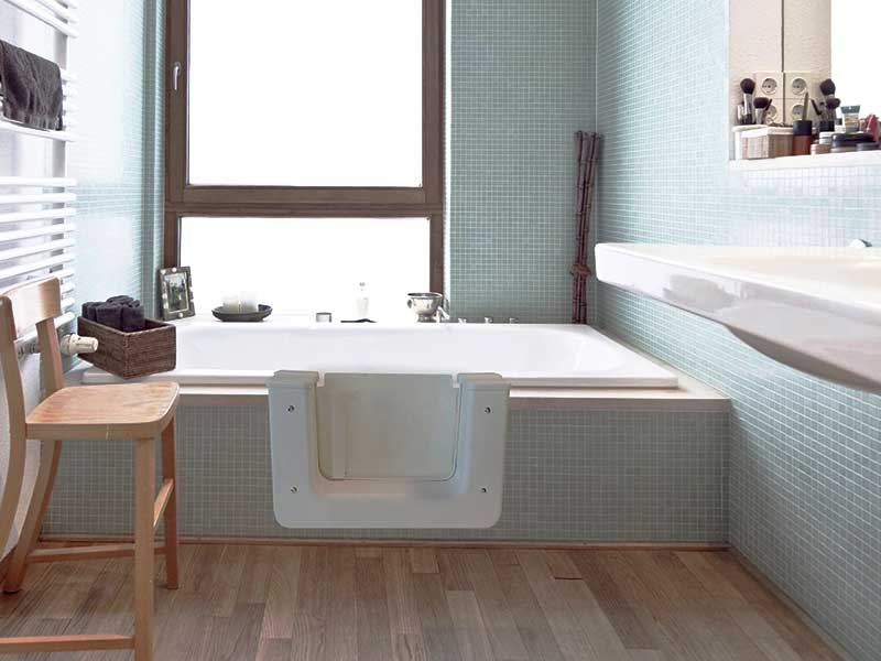 Badrenovierung von wanne und dusche for Badewanne mit folie bekleben